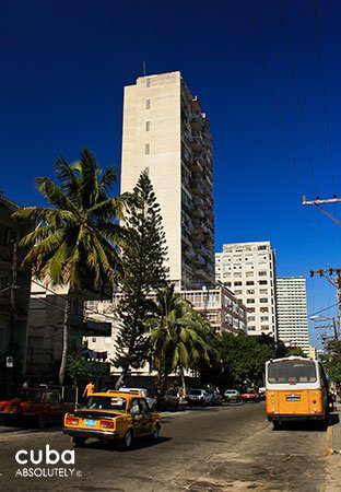 high Building in 23 street © Cuba Absolutely, 2014