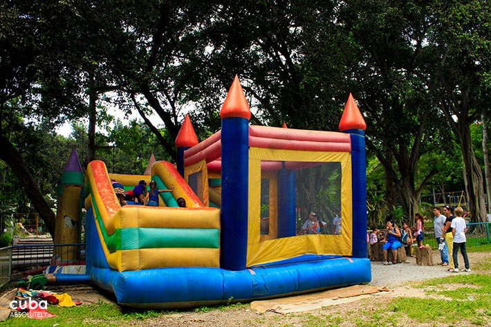 inflatable castle at kids park in 26 Zoo in New Vedado© Cuba Absolutely, 2014