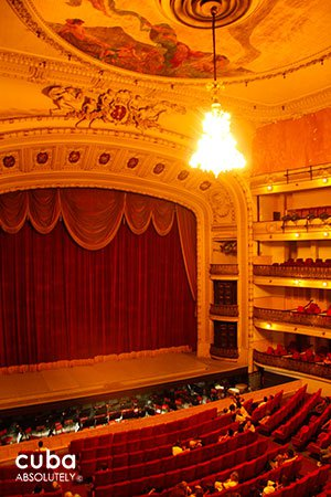 Grand Theatre of Havana in Old Havana© Cuba Absolutely, 2014