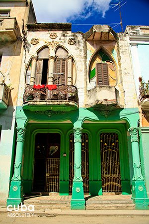 green old house at cardenas street in old havana © Cuba Absolutely, 2014