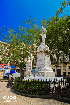 statue at Albear Park in old havana© Cuba Absolutely, 2014