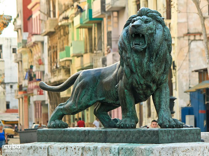 Lion statue at Prado street in old havana© Cuba Absolutely, 2014