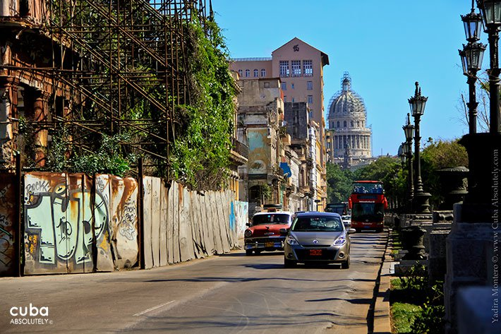 Prado street in old Havana© Cuba Absolutely, 2014