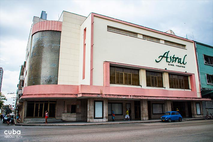 Theatre cinema Astral IN Center Havana © Cuba Absolutely, 2014 - 2020
