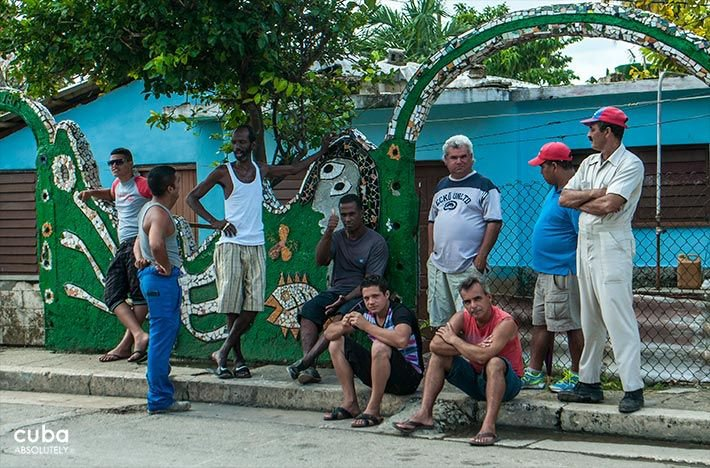 Jaimanitas town, work of plastic artist Fuster © Cuba Absolutely, 2014 - 2020
