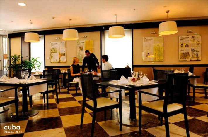 Parque Central hotel in Old Havana, black and white restaurant  © Cuba Absolutely, 2014 - 2020