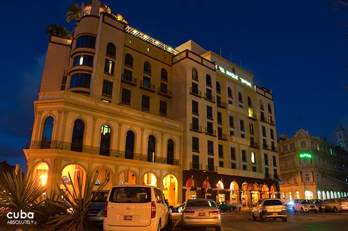 Parque Central hotel in Old Havana at night © Cuba Absolutely, 2014 - 2020