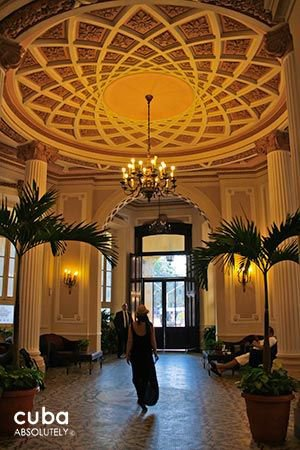 Plaza Hotel in Old Havana, lobby © Cuba Absolutely, 2014 - 2020