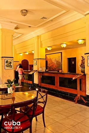 Presidente hotel in Vedado, lobby  © Cuba Absolutely, 2014 - 2020