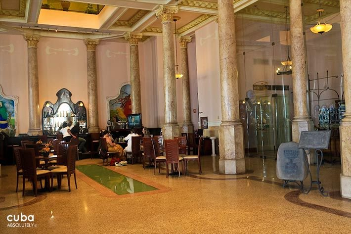 Raquel hotel in Old Havana, lobby © Cuba Absolutely, 2014 - 2020
