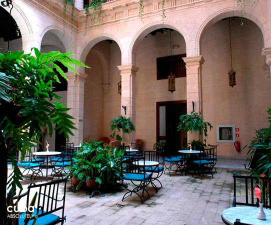 O´Farrill Palace hotel in Old Havana, interior yard © Cuba Absolutely, 2014 - 2020