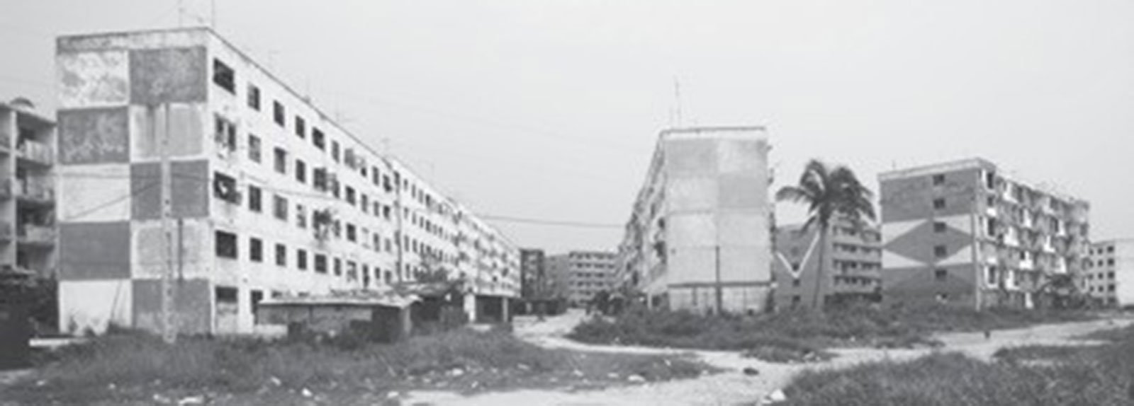 Black and white picture, buildings in Alamar