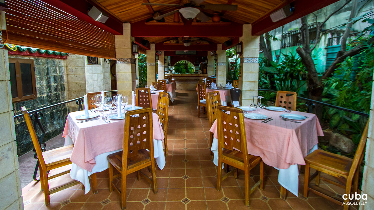 Casa Lala is very pleasant, with only an open space that even during the hot Cuban summer manages to stay breeze and cool. On top of all those things, the service is very friendly. Do not miss the chorizos cooked in wine and the fresh pastas! Havana, Cuba