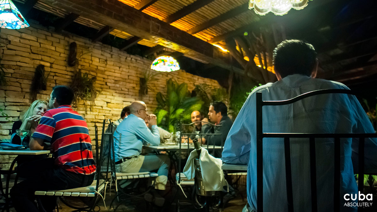 Recently La Fontana introduced jazz nights inviting top class Cuban jazz musicians to play while you eat. So far so good. The only issue is with a cover charge of CUC 5 per person, which they add to the final bill without necessarily saying up front (or charging at the door). Havana, Cuba