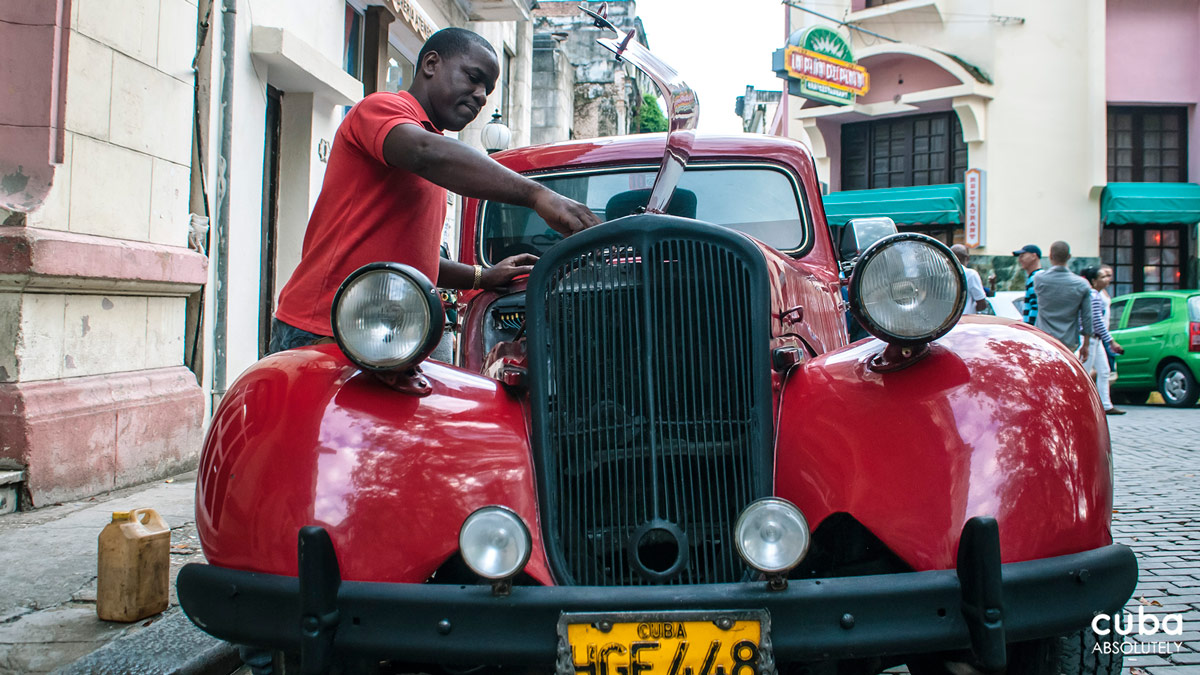 The drivers have to put the force of their whole body into shifting gears and a stalled or broken-down almendrón is as common as a white girl in a Whole Foods. The breaks squeal louder than teens at a Justin Bieber concert and the cars slowly putter backwards when stopped at a light. Havana, Cuba