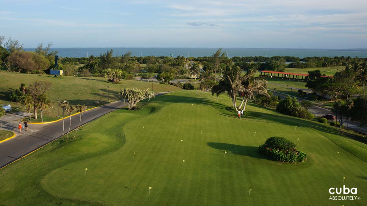 The Varadero course stands at 6,856 yards, has a par of 72 and is beautifully maintained. Stylistically think beachfront links along a gorgeous coastline mixed with tropical parkland and Florida lakes. Varadero, Cuba