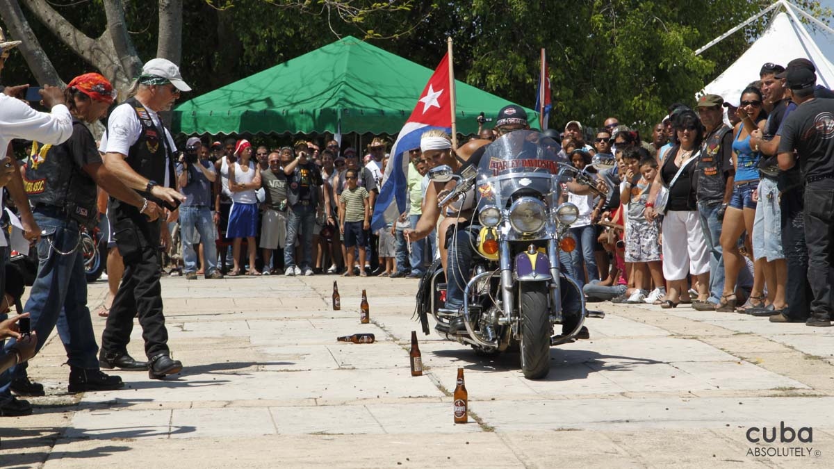 Since everything I know about biker culture I learned from Easy Rider and Altamont, I was keen to experience the 1er Encuentro Nacional de Harlistas Cubanos firsthand. Havana-Varadero, Cuba