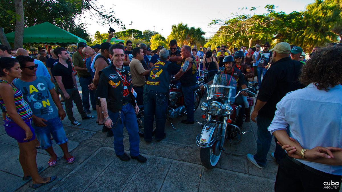 Although there have been many Harley events in the past few years, last month saw the first 'international' rally with over 50 Harlistas making there way to Varadero for 3 days of activities organized by Max Cuchi and Abel Fish Havana, Cuba