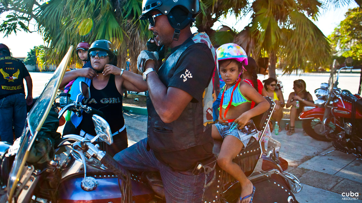 When we reached the city of Matanzas, we realized we had left the main group behind. One of the bikers phoned the organizers and learned they had stayed behind at this little place where they sell pork sandwiches. Havana, Cuba