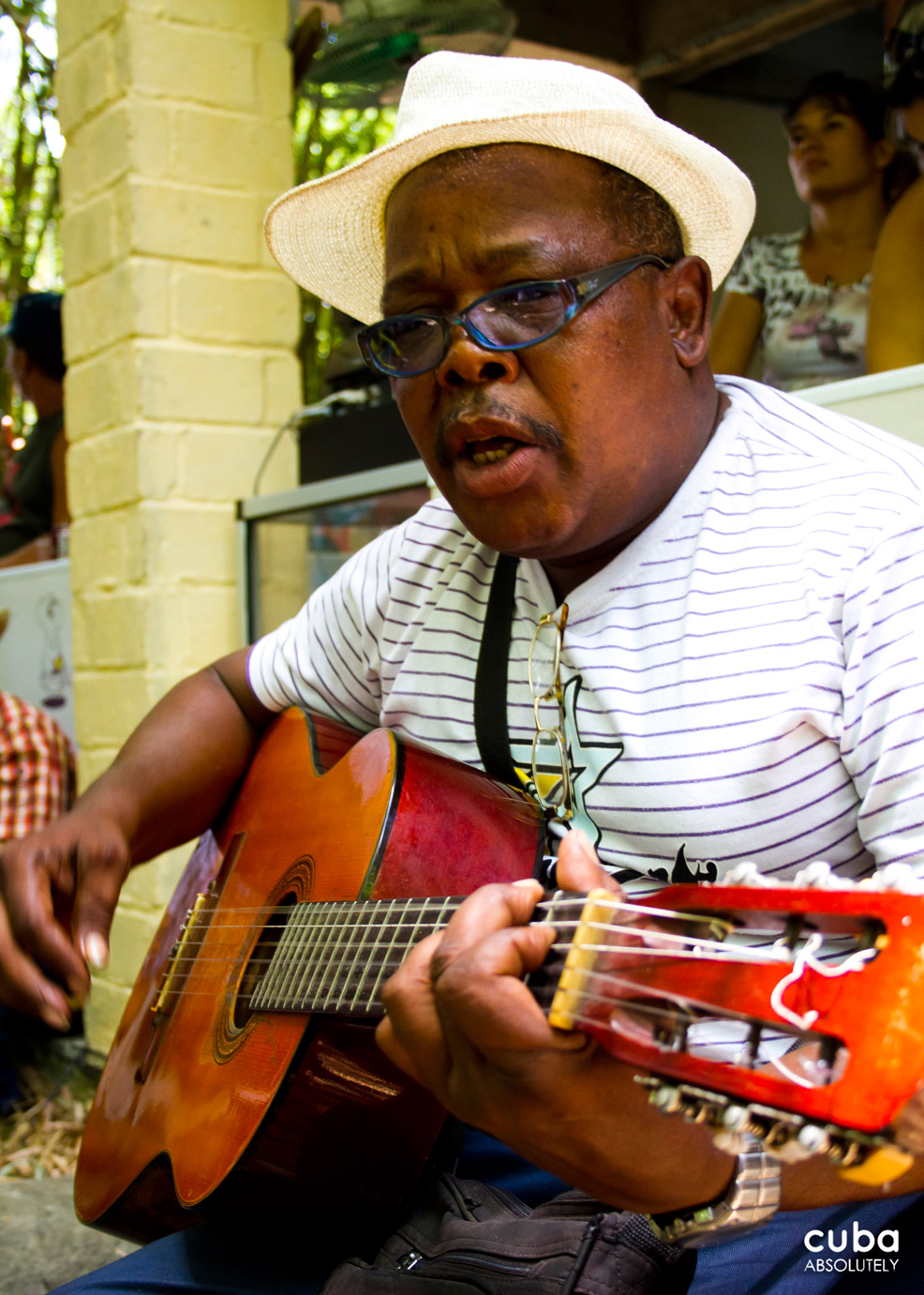 The Cucalambeana is a collection of different events that includes the recital and singing of décimas, a Spanish stanza of ten octosyllabic lines created in Spain between the 16th and 17th centuries, and which in America was adopted by popular sectors of the population, especially by country folk. Las Tunas, Cuba