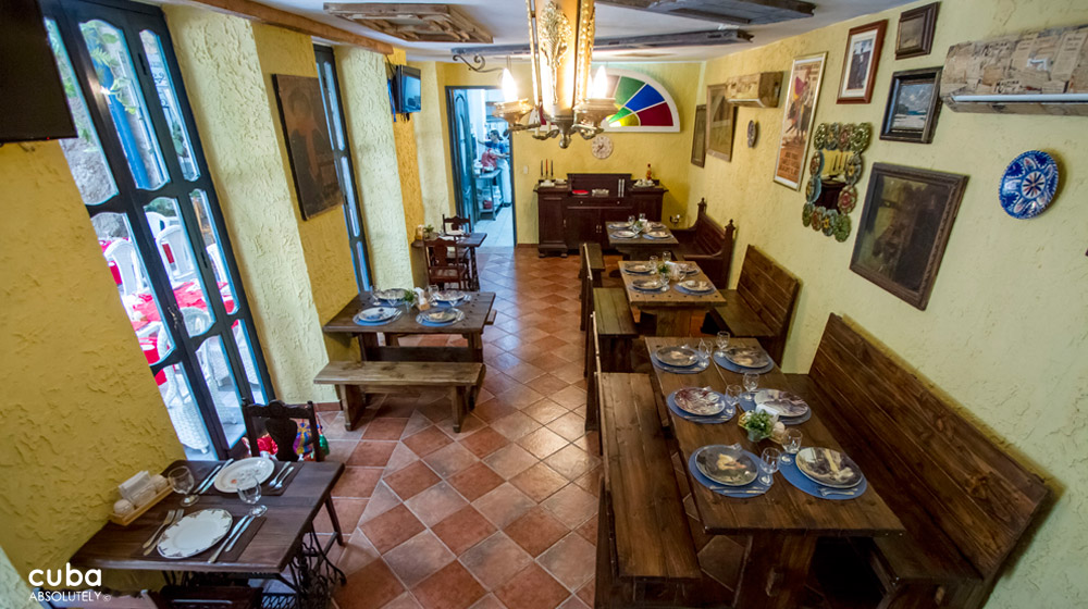 Restaurant (Paladar) La California in Centro Habana © Cuba Absolutely, 2014