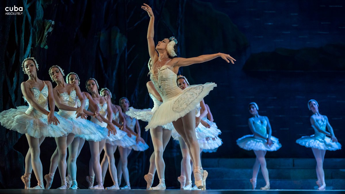 A number of full-length classical pieces, including the Cuban National Ballet's Swan Lake and Giselle, formed the program of the National Theatre, located near Revolution Square, which closed its doors during this festival with an unforgettable presentation. Havana, Cuba