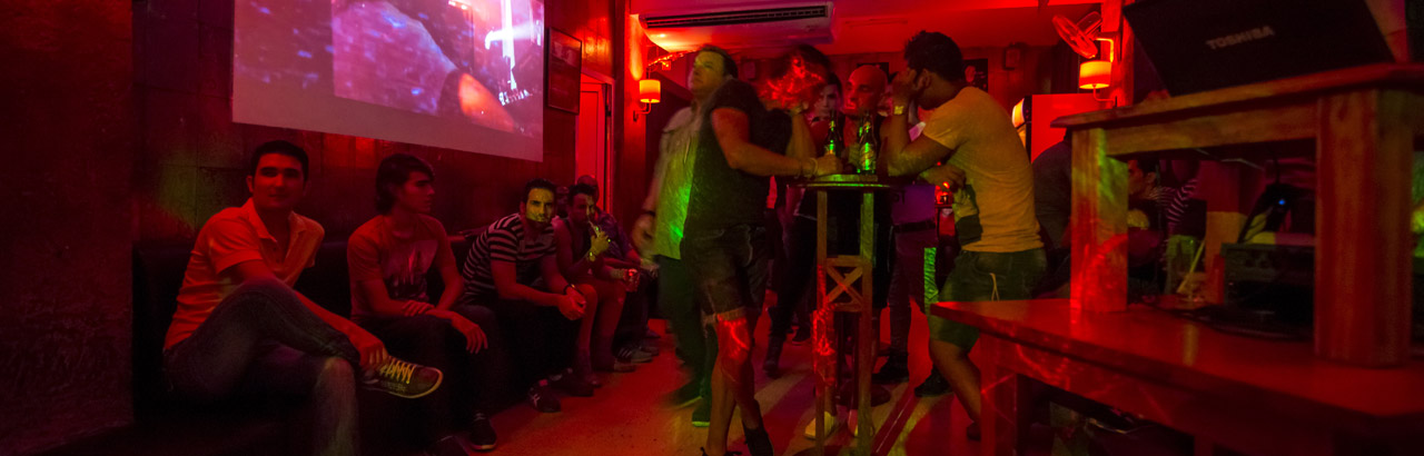 Humboldt 52, Hot staff, comfortable setting, and welcoming vibe at Havana's first full-time, openly-gay bar